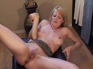 Spritzen Blondine Dildo Große Titten Blondine, eine