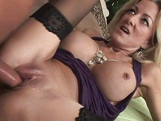 Frauen in strapsen nackte Nackte Frauen